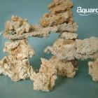plateaux et roches céramiques avec premier plan en roches céramiques